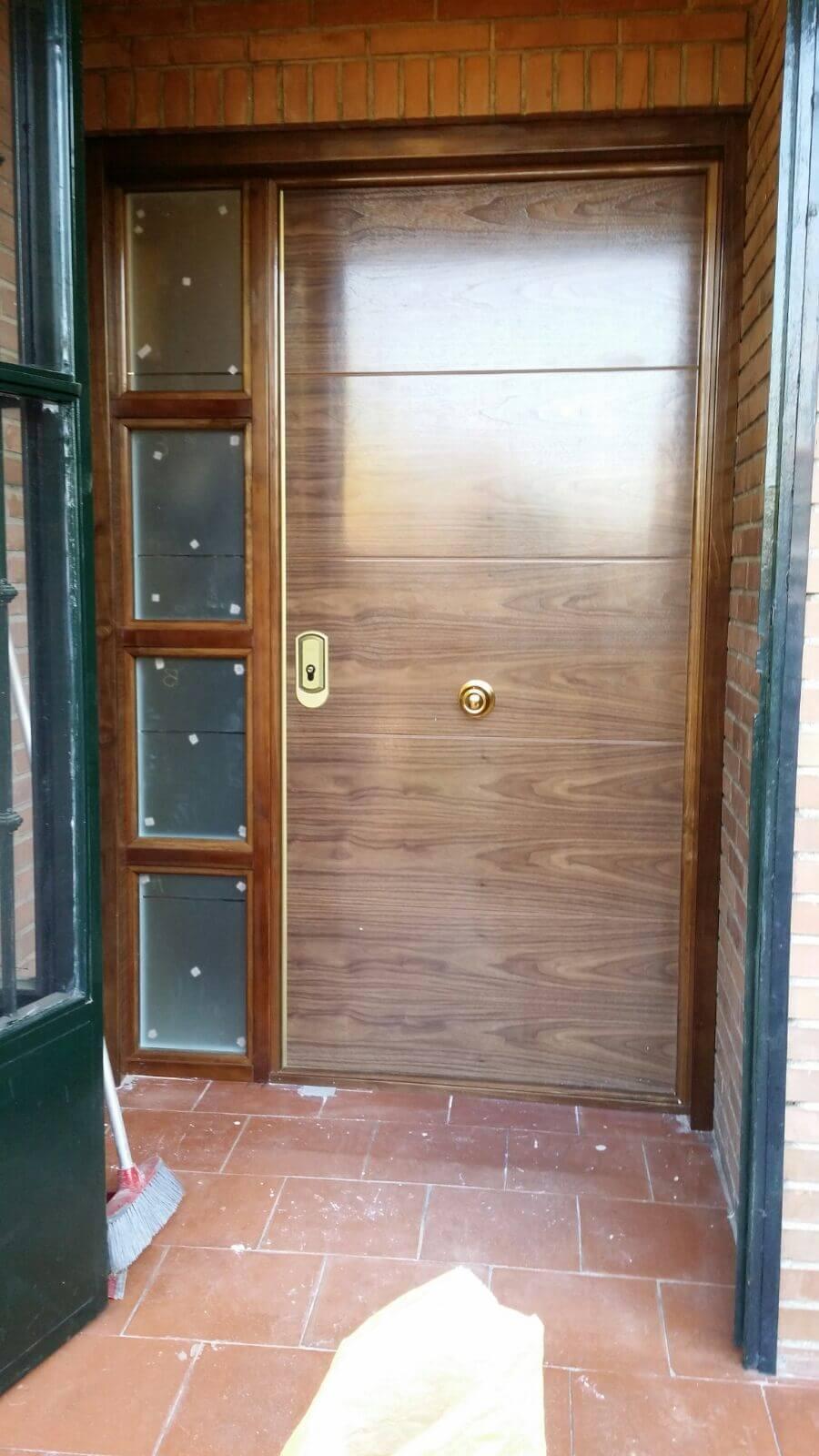 Instalaci n de puertas blindadas y de interior baratas en for Puertas de interior en madrid